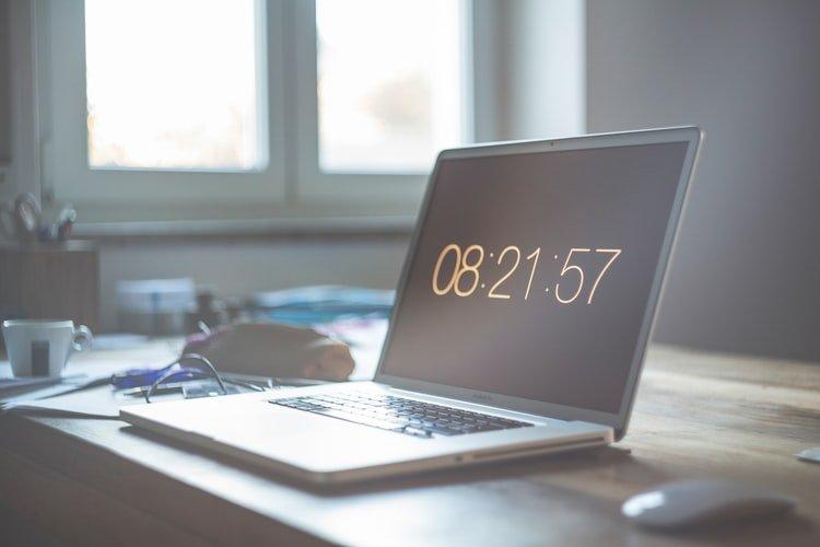 Computador com hora